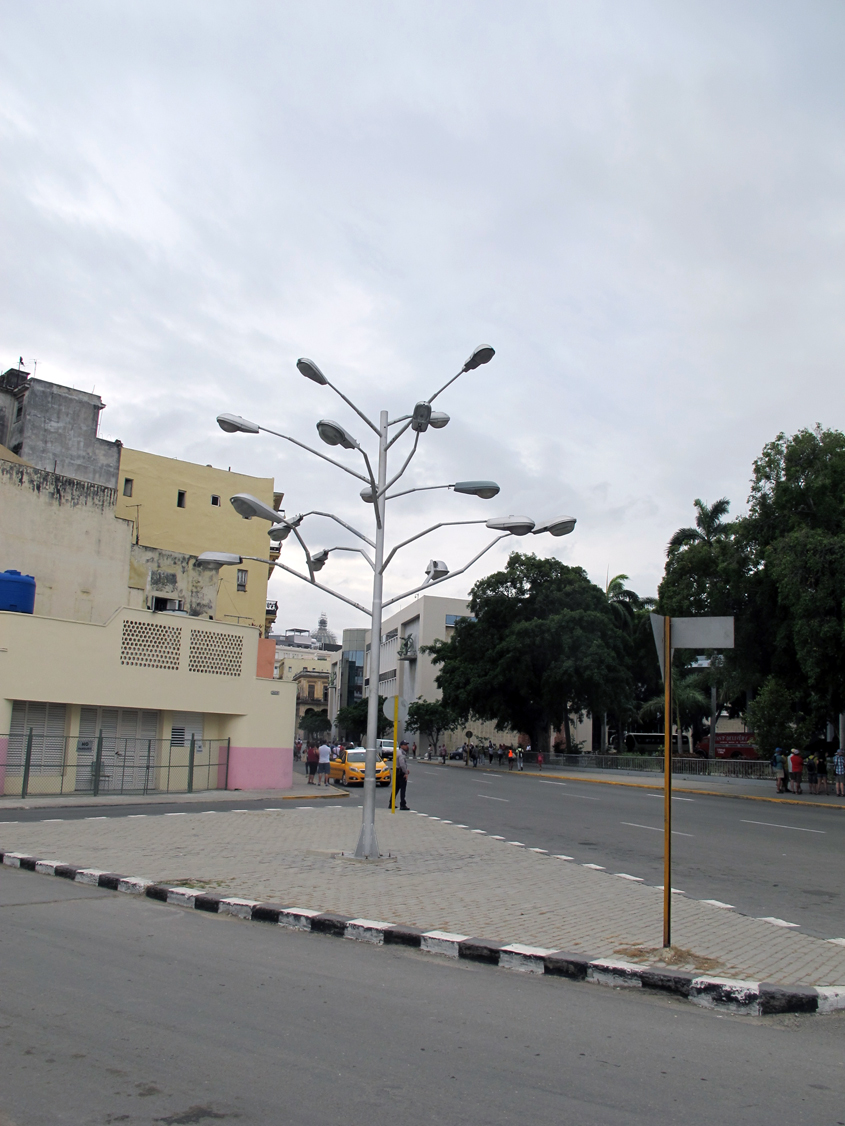 Multi-headed street lamp in Havana