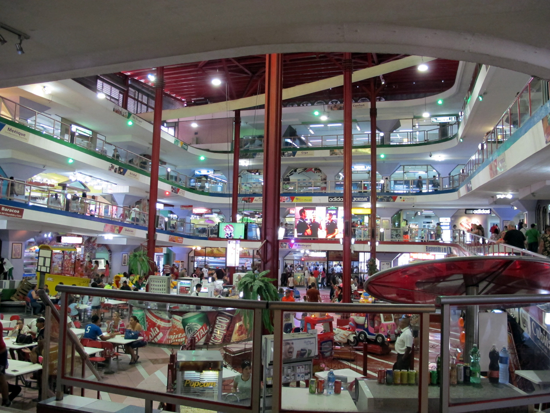 Shopping mall in Havana