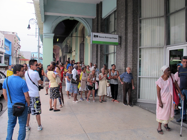 Waiting in line at a bank in Havana